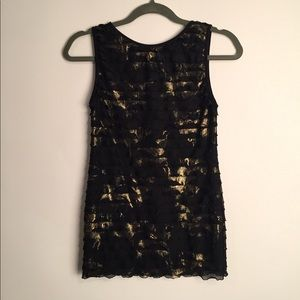 Karen Kane black and gold ruffle tank EUC S